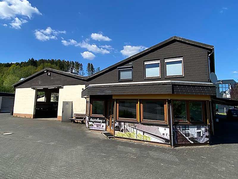 Gewerbeobjekt mit Büro und Betriebswohnung – Objektwert Immobilien Consult