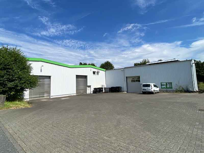 Gewerbeobjekt mit Hallen und Büro, 1.400m² mit Kranbahn 3,2t – Objektwert Immobilien Consult