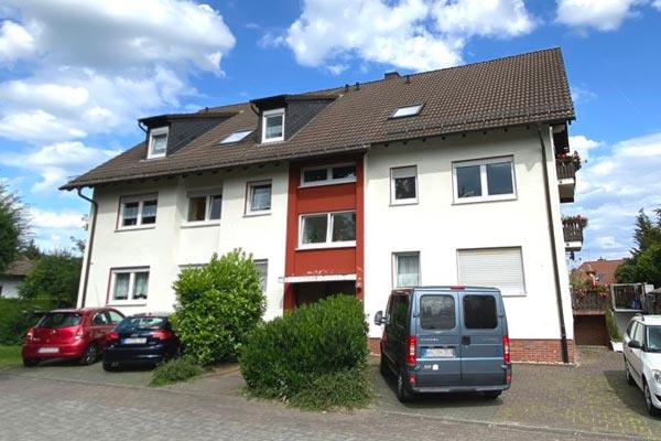 Gepflegtes 6-Parteienhaus - OBJEKTWERT Immobilien Consult - Ihr Partner für Qualitätsimmobilien