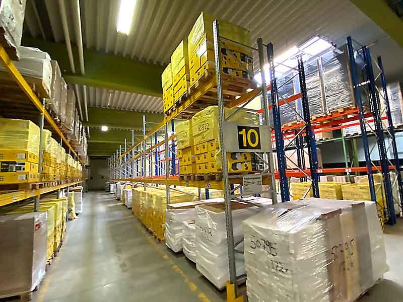 Lagerfläche Raum Siegen 1.500 Pallettenplätze fertig regaliert zu vermieten – Objektwert Immobilien Consult
